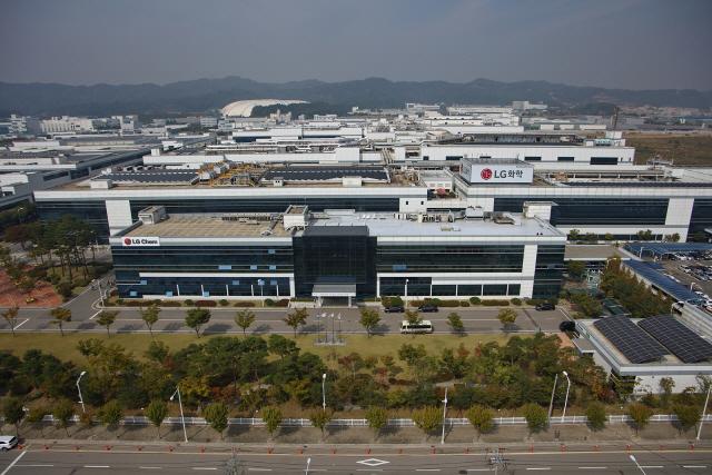[시그널] '몸 값 100조' LG에너지솔루션 IPO 속도...증권사에 RFP발송