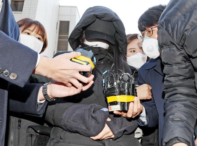 '정인이 사건' 양부모 오늘 첫 재판…살인죄 적용여부 관심