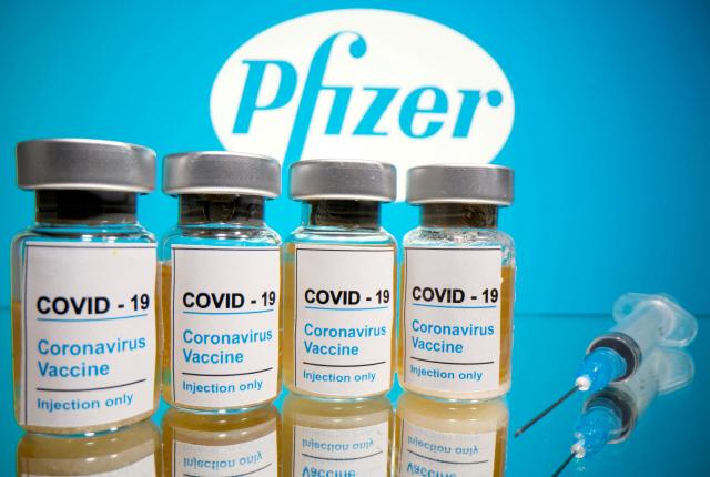 '9월부터 성인 접종 시작'…코로나19 백신 5종 효능은?