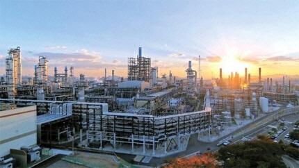 [시그널] 무디스 '정유업 한파…SK이노베이션·종합화학 신용등급 강등'