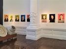 거인으로 돌아온 입양아들의 초상