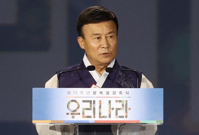 '독립운동가 비하 논란' 윤서인, '80억원대' 소송 예고에 '돈 내야할 일 없을 것'