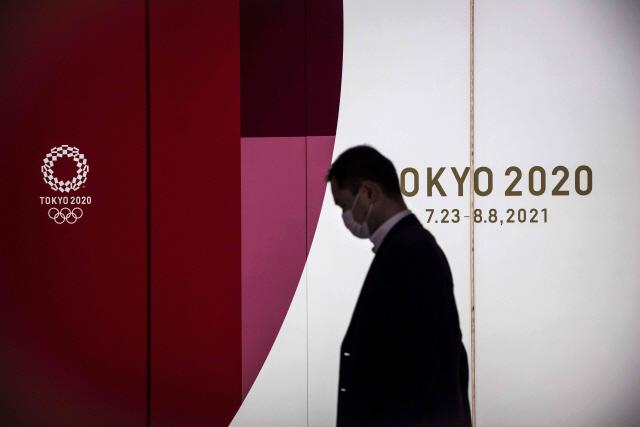 무관객 개최도 손실만 26조…도쿄올림픽의 운명은