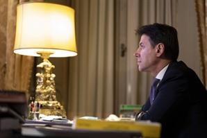 콘테 이탈리아 총리 사임 의사…'새 연정 구성' 승부수