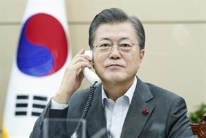 """[속보]文대통령-시진핑 정상통화 """"올해 방한, 30년 한중관계 청사진도 마련"""""""