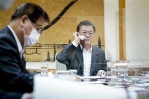 """美中 힘겨루기 속 文과 통화한 시진핑 """"남북, 북미 대화 지지"""""""