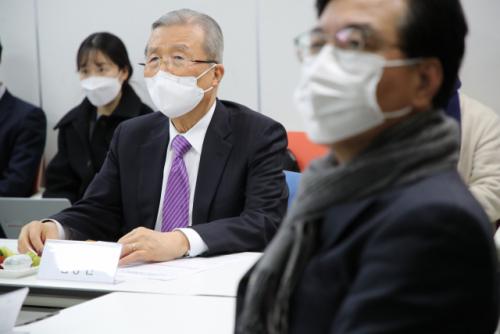민주주의와 정의 김정인의 편부모 비방 논란에 '즉시 사과'