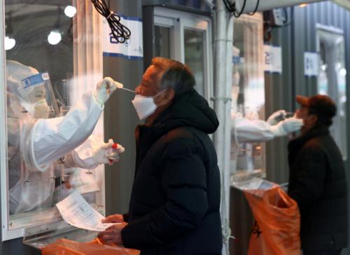 코로나 19 전염병이 여전히 남아 있습니다 … 정부, 오늘 거리 조정 계획 발표