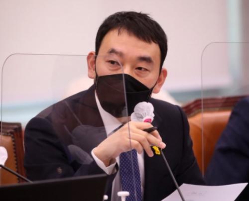 김용민, '사의 표명' 신현수 파문에 '윤석열의 그림자 보여…부적절한 행동'