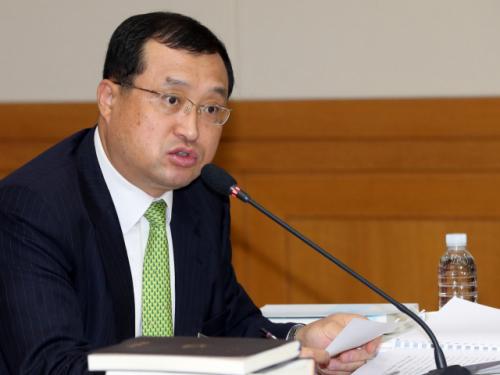 임성근, 탄핵심판서 이석태 헌법재판관 기피 신청