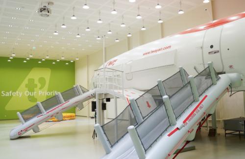 '객실승무원 체험해보세요'…티웨이항공, '티웨이 크루 클래스' 운영