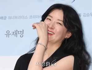 '군납업자 아내' 이영애의 내조?…국방위원 거액 후원 논란