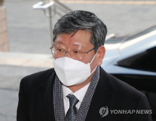 경찰, 이용구 차관 '증거인멸 교사' 고발 시민단체 조사 방침