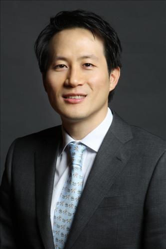 '조카의 난' 박철완 '박찬구 금호석화 회장, 이사회 의장서 내려오라'