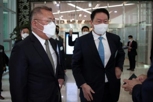 '수소는 에너지 화폐'…정의선·최태원, 배터리 이어 또 손 잡았다