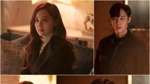 '펜트하우스2' 유진X윤종훈, 냉랭한 눈빛 맞대면 포착…급반전 분위기?