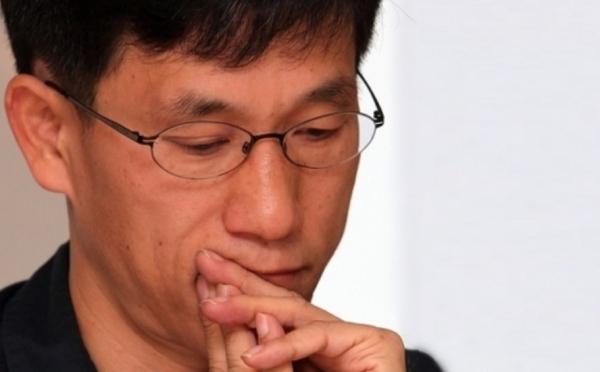 동료 교수 명예훼손 혐의 진중권…경찰 조사