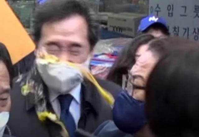 [영상] 춘천서 '달걀 봉변' 이낙연…'처벌하지 말아 달라'