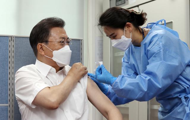 [속보]G7 AstraZeneca 백신 접종, Wen 대통령 내외 참석