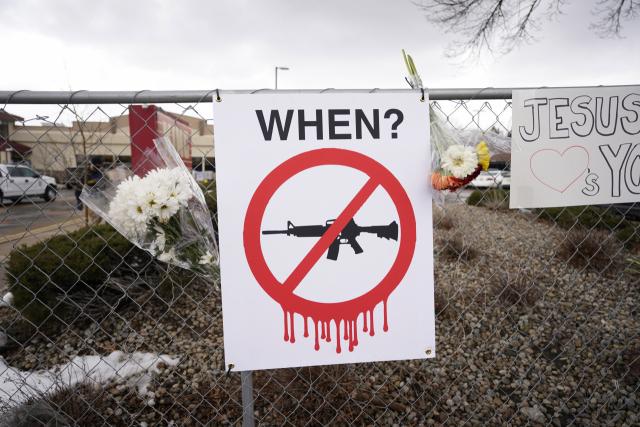 Biden, 애틀랜타와 콜로라도 총격 사건에서 총기 규제 집행 명령 검토