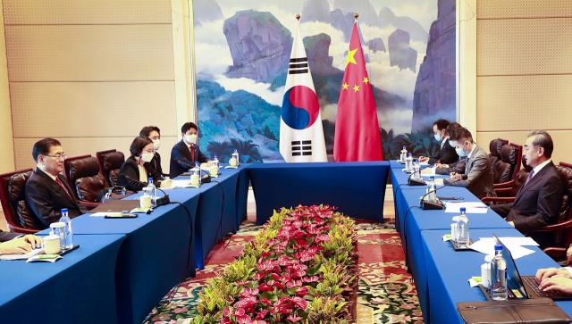 [속보] 외교당국자 '한중 회담서 미중 관계 솔직히 논의'