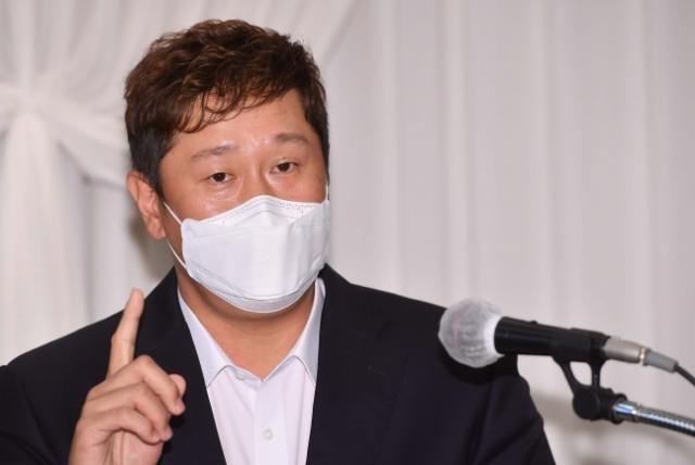 '판공비 자기 인상 논란'이대호, 혐의 … 사건 종결