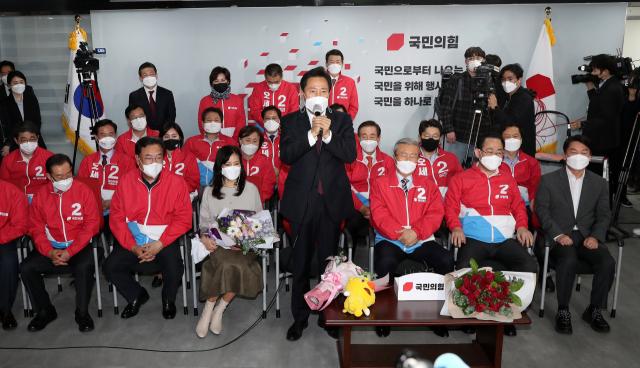 오세훈의 서울시, '재건축 마천루 예고' 집값 폭등 vs 하락