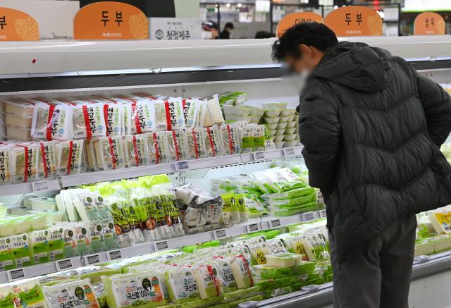 지난해 1분위 식료품 소비 늘릴 때 5분위는 車 구매