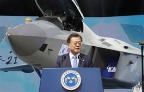 """文 """"KF-21 보라매, 광복군 꿈 이뤄...엄청난 경제 효과"""""""