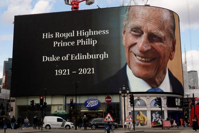 '왕실 폭로' 해리왕자, 필립공 장례식 참석…임신한 마클은 불참