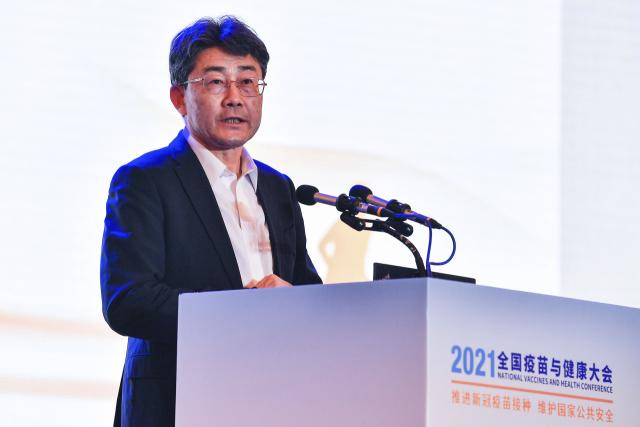 """中 질병관리 수장 """"중국산 백신 효과 높지 않다"""" 최초 시인"""