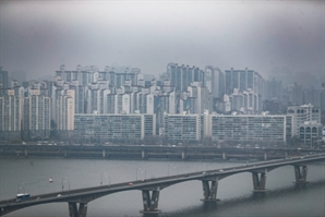 '주택 6억·소득 8,000만원' 서민 주담대 기준 완화하나… 금융당국 고심
