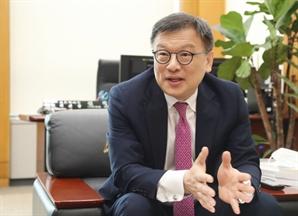 """""""중대형 기술기업 지원…코스닥 역동성 키울것"""""""