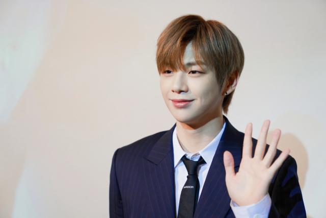 [SE★현장] 강다니엘 '워너원 멤버들과 활동 겹쳐 기대돼…완전체 재회도 긍정적'