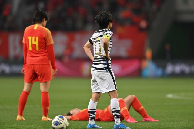 한국 여자축구, 접전 끝 중국과 2:2…도쿄올림픽 본선 진출 좌절