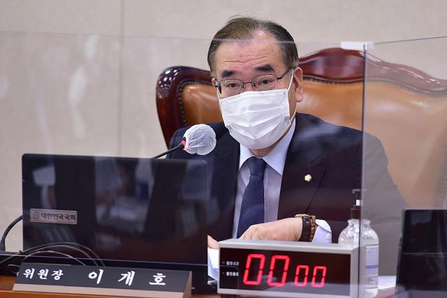 [속보]이개호 더불어민주당 의원 코로나19 확진…현역 국회의원 첫 사례
