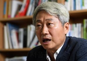 """김근식 """"백신 구하려면…文, 이재용·바이든 만나야"""""""