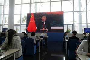 """기후회의 앞둔 시진핑 """"美, 규칙 강요하지 말라"""" 견제구"""