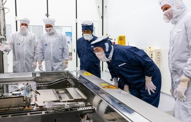 반도체 EUV투자, 삼성이 TSMC 앞섰다