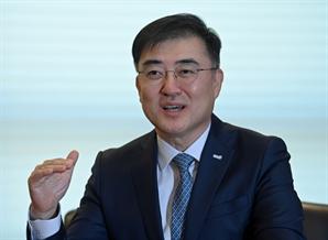 """손병두 """"3만건 리포트 중 스몰캡은 1%…독립 리서치로 '깜깜이 투자' 막겠다"""""""