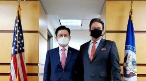 """황교안, 내퍼 美 동아태 부차관보 만나…""""백신 우선 공급 요청"""""""
