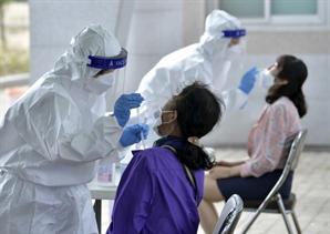 부산서 화이자 백신 접종 후 첫 사망사례…80대 접종 후 7일만에 숨져