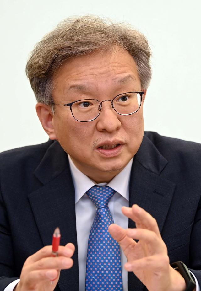 [서경이 만난 사람] 권칠승 중기부 장관 '청년 창업 맞춤형 프로그램 강화…유니콘으로 성장 적극 돕겠다'