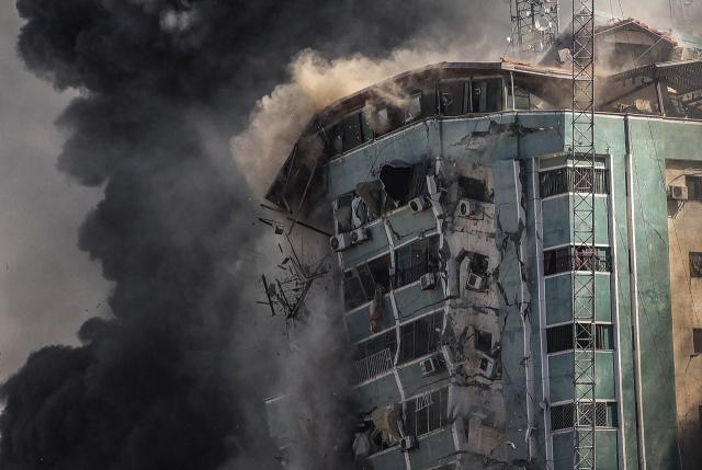 AP통신, 가자지구 폭격에 '독립조사 촉구'...네타냐후 '정당했다'