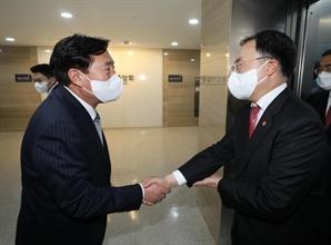 """중기회장 만난 문승욱 """"중기 현실 반영한 정책 추진하겠다"""""""