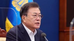 """文대통령 """"청년 취업 21년만 최대 증가...4%대 성장 총력"""""""