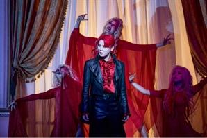 [공연리뷰]'드라큘라' 빠져봐, 빨간맛 달콤함에…영생을 줄테니