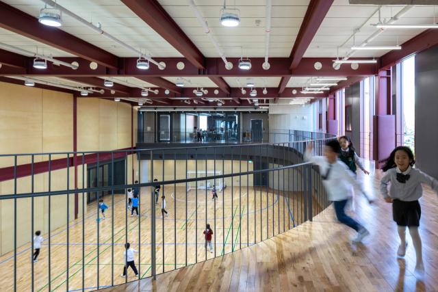 [건축과 도시] 트랙으로 이어진 휴식·놀이·교육공간…학교의 틀을 깨다