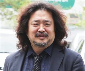 """靑 """"김어준 하차, 개입 못해...방송 자유·독립 보장"""""""
