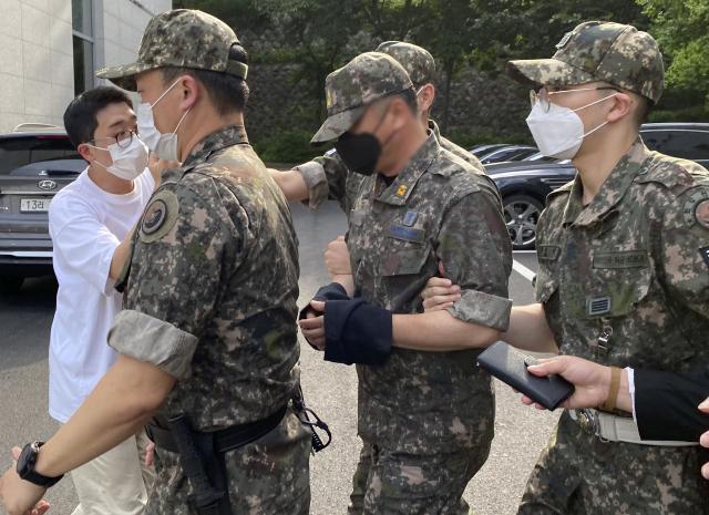 [속보] 군사법원 '공군 女중사 2차 가해' 상사·준위 구속영장 발부